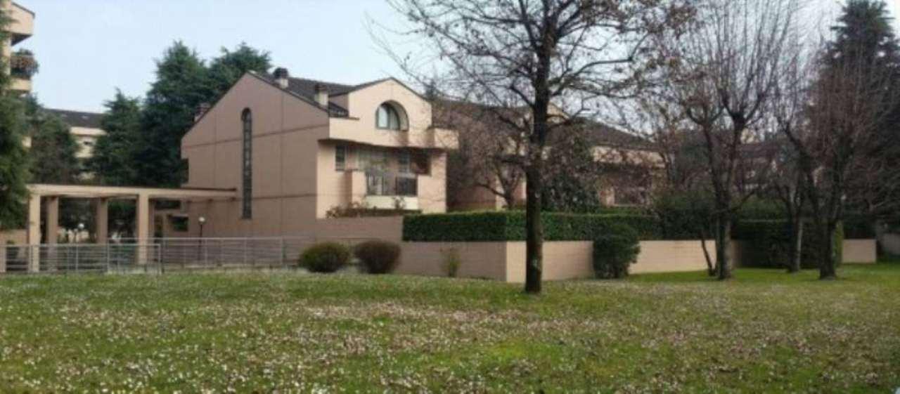 Villa in vendita a Segrate, 6 locali, prezzo € 1.000.000   Cambio Casa.it