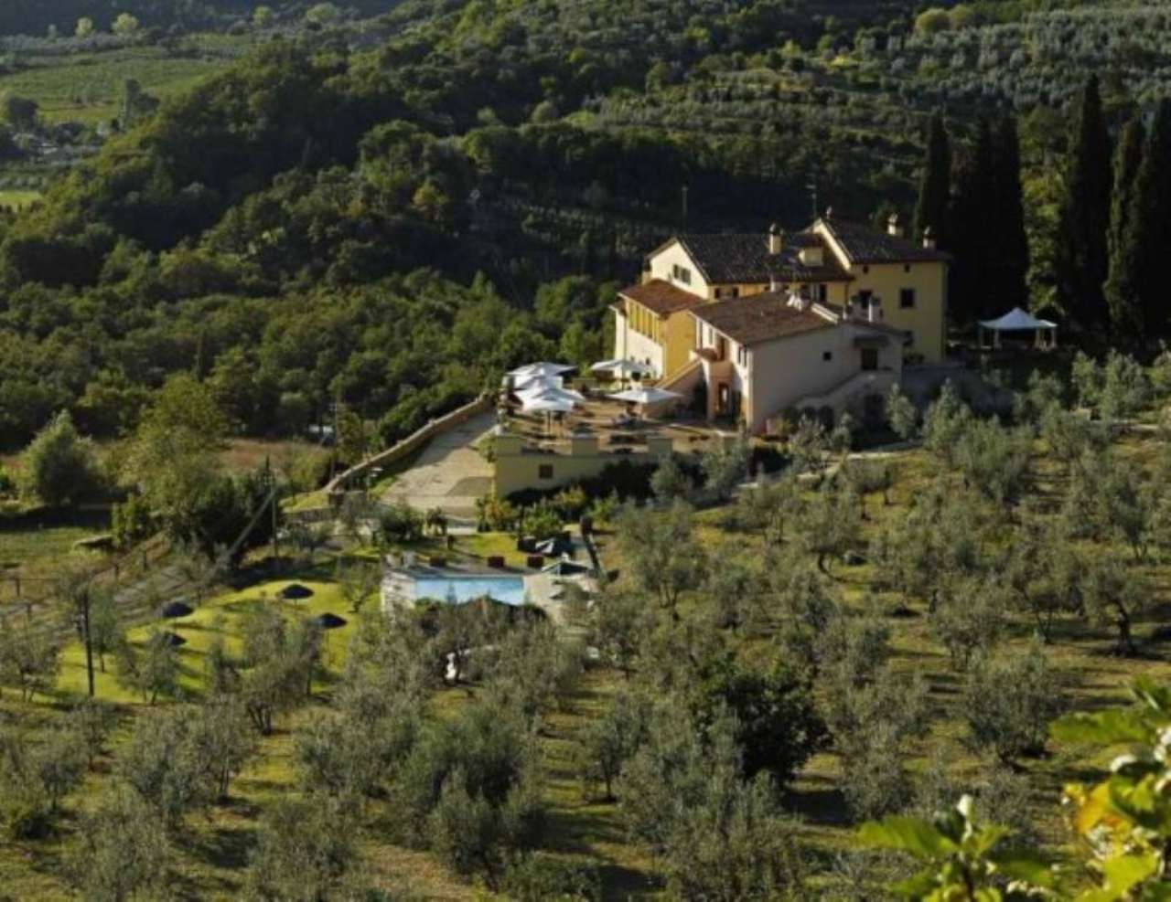 Rustico / Casale in vendita a Arezzo, 30 locali, prezzo € 2.700.000 | Cambio Casa.it