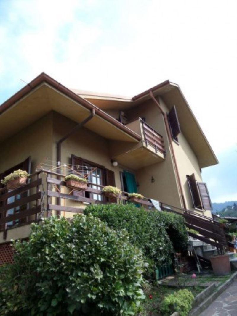 Villa in vendita a Colle Brianza, 6 locali, prezzo € 455.000 | Cambio Casa.it