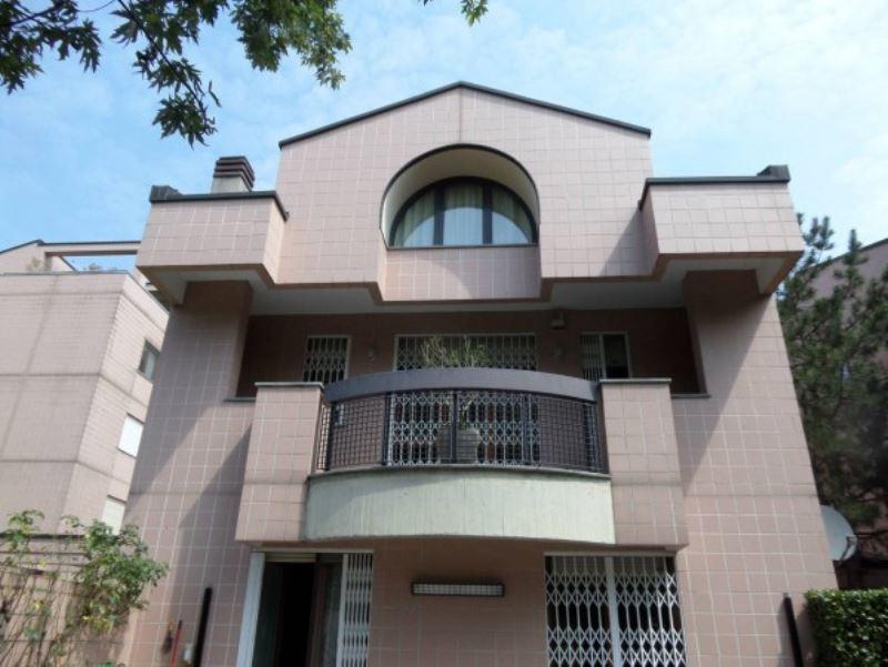 Villa in Affitto a Segrate
