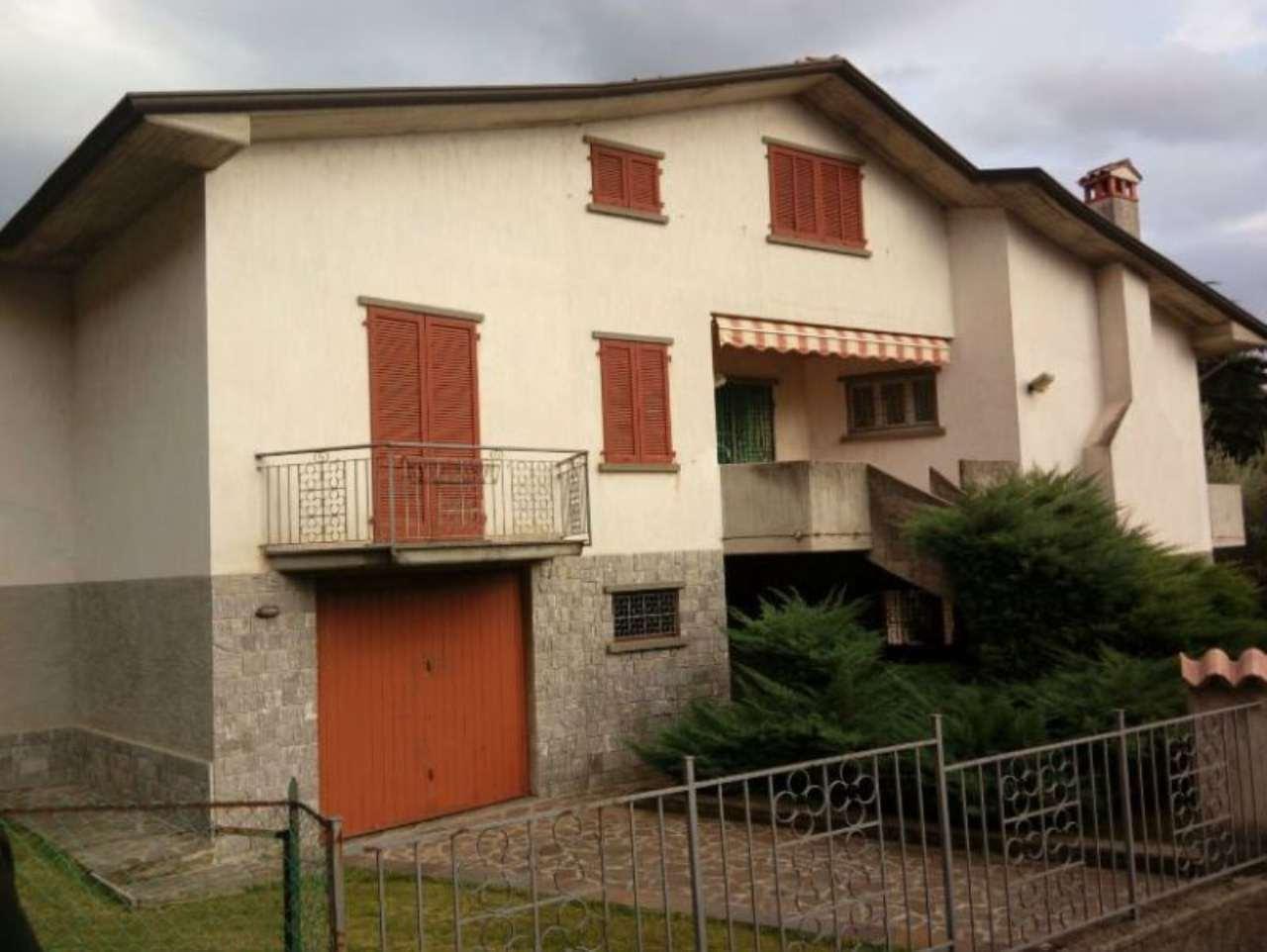 Villa in vendita a Predore, 10 locali, prezzo € 670.000 | Cambio Casa.it