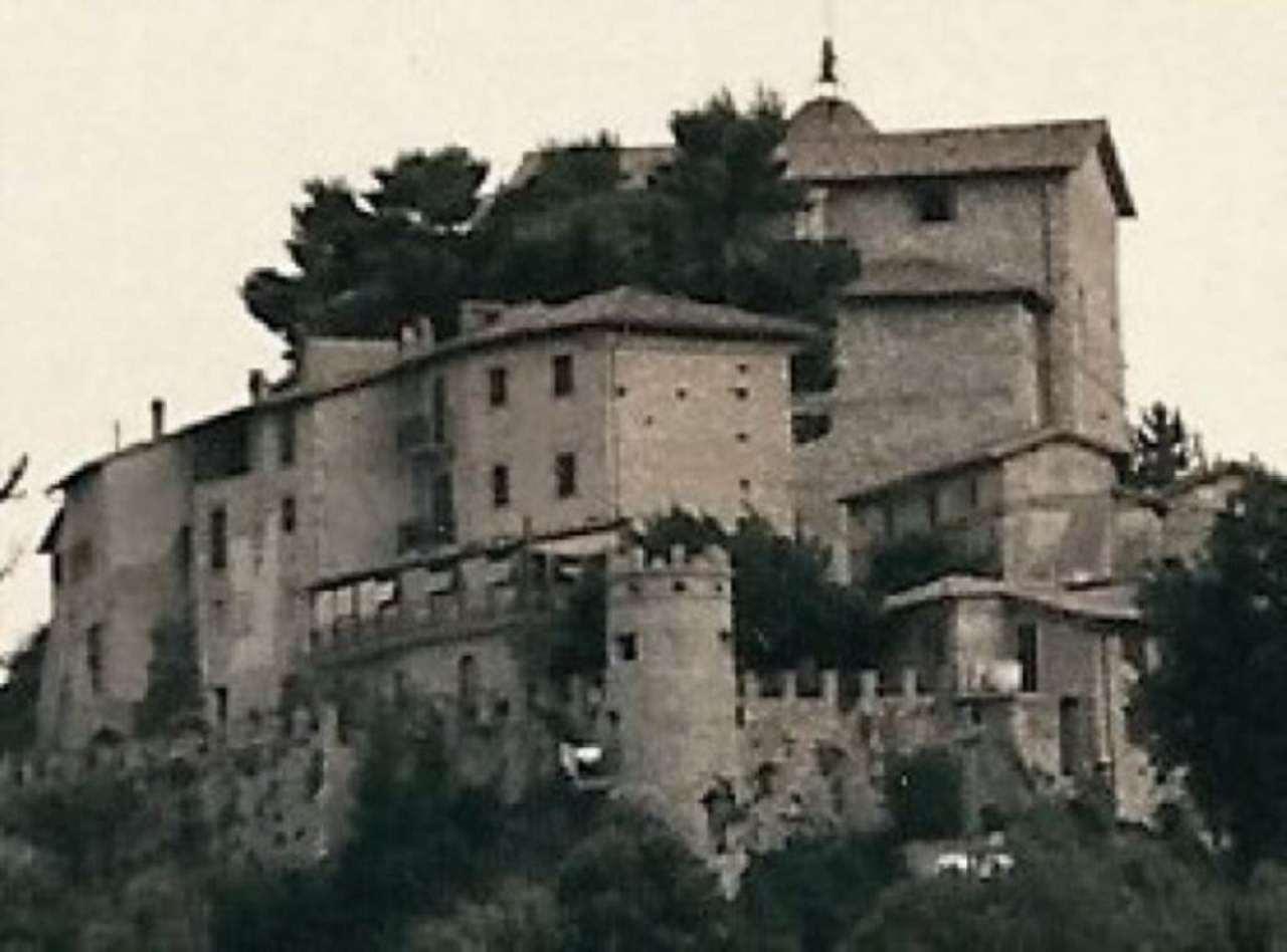 Albergo in vendita a Greccio, 6 locali, prezzo € 750.000 | CambioCasa.it