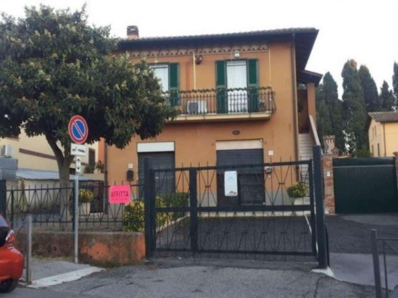 Negozio locale roma affitto 500 zona 13 tuscolano for Affitto immobili commerciali roma
