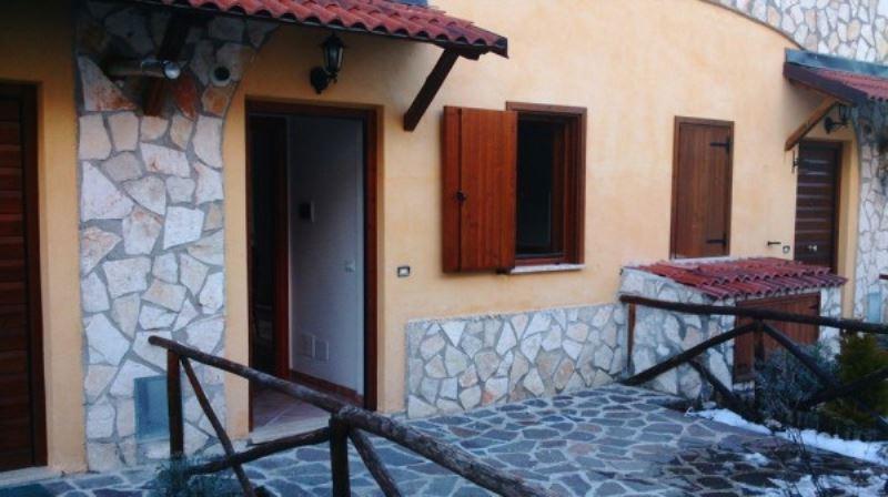 Soluzione Indipendente in vendita a Rocca di Cambio, 4 locali, prezzo € 145.000 | Cambio Casa.it