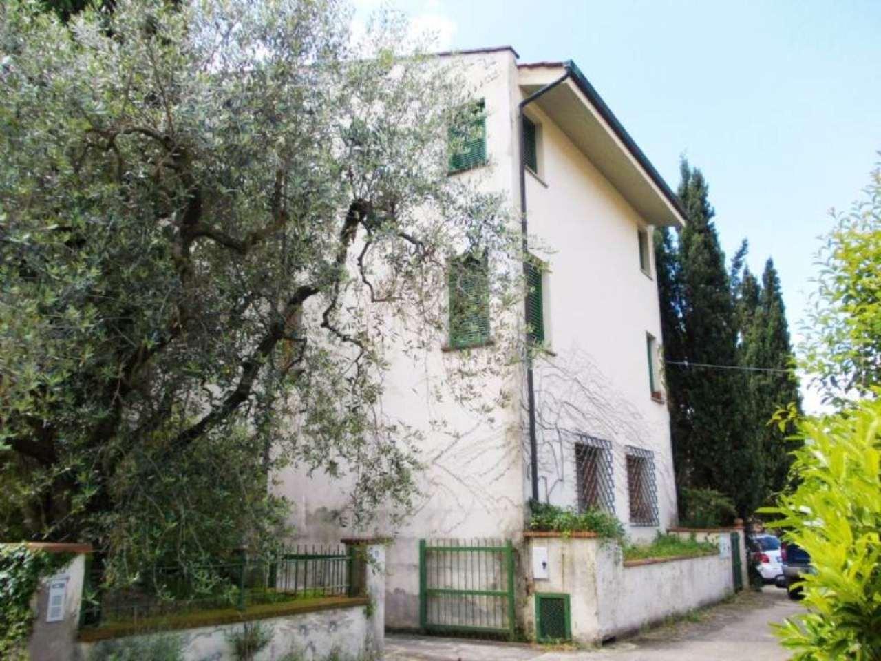 Palazzo / Stabile in vendita a Rufina, 12 locali, prezzo € 385.000 | Cambio Casa.it
