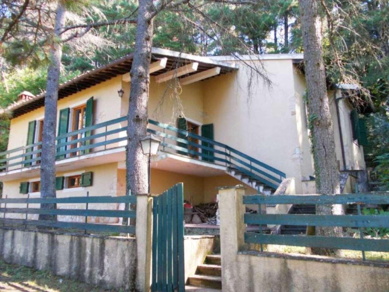 Villa in vendita a Londa, 6 locali, prezzo € 199.000 | Cambio Casa.it