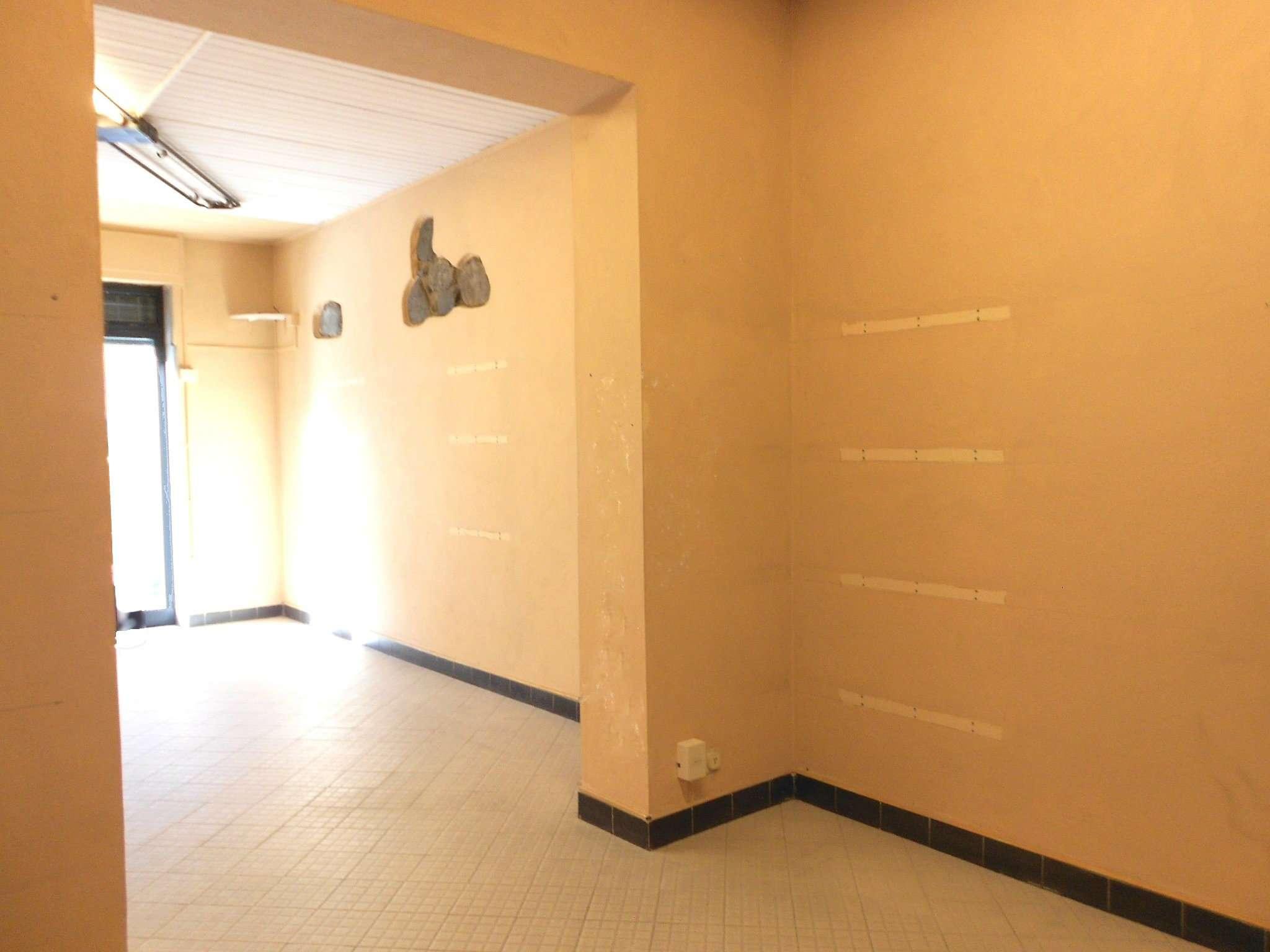 Negozio / Locale in affitto a Rufina, 2 locali, prezzo € 440 | Cambio Casa.it