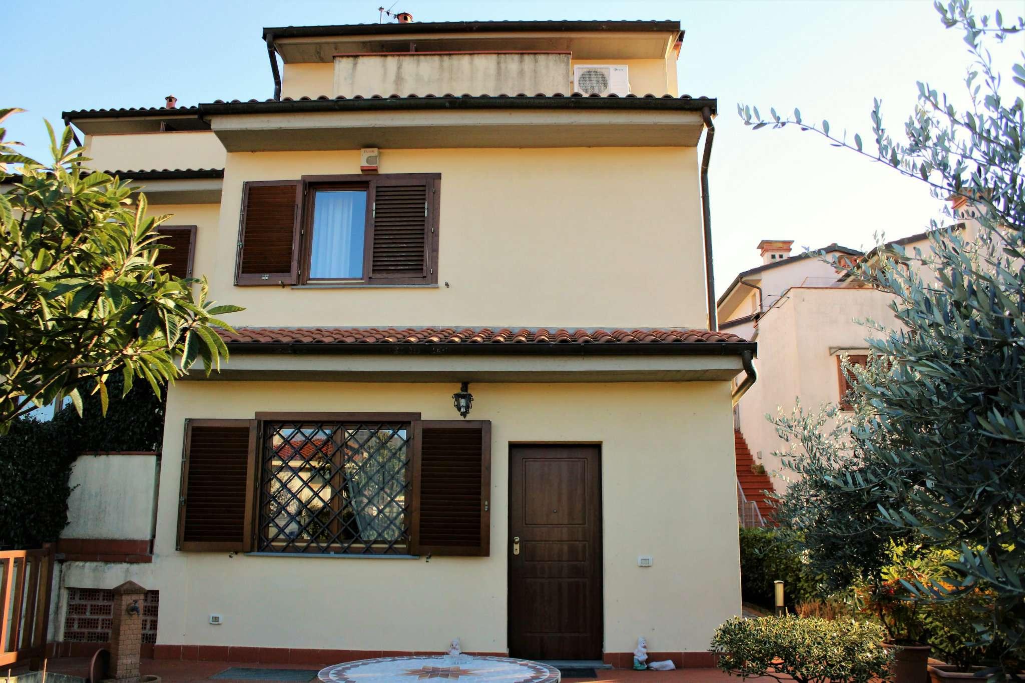 Palazzo / Stabile in vendita a Rufina, 9 locali, prezzo € 329.000 | Cambio Casa.it