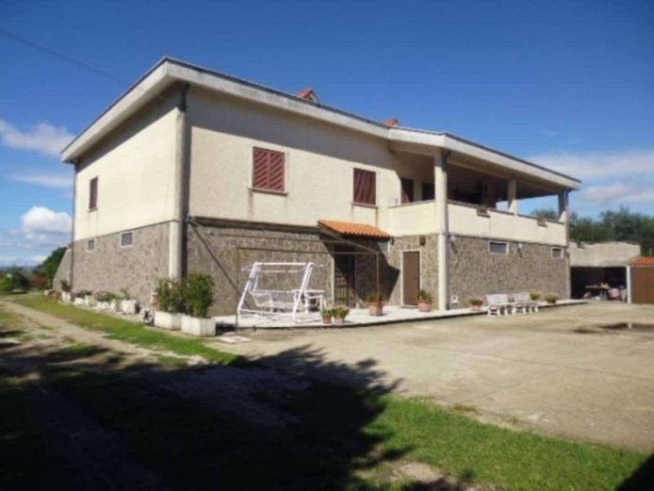 Villa in Vendita a Campagnano di Roma