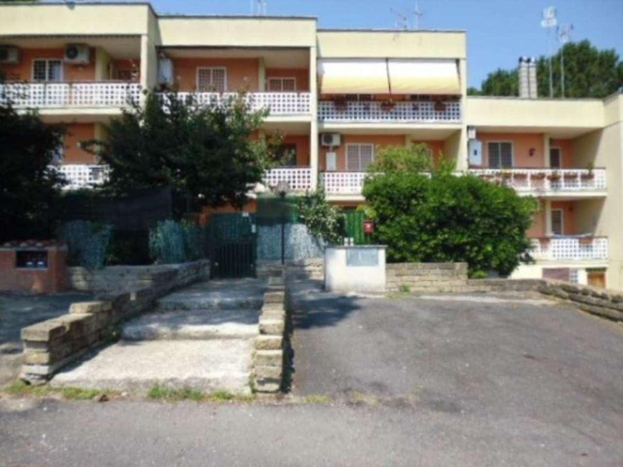 Appartamento in vendita a Campagnano di Roma, 3 locali, prezzo € 85.000 | Cambio Casa.it
