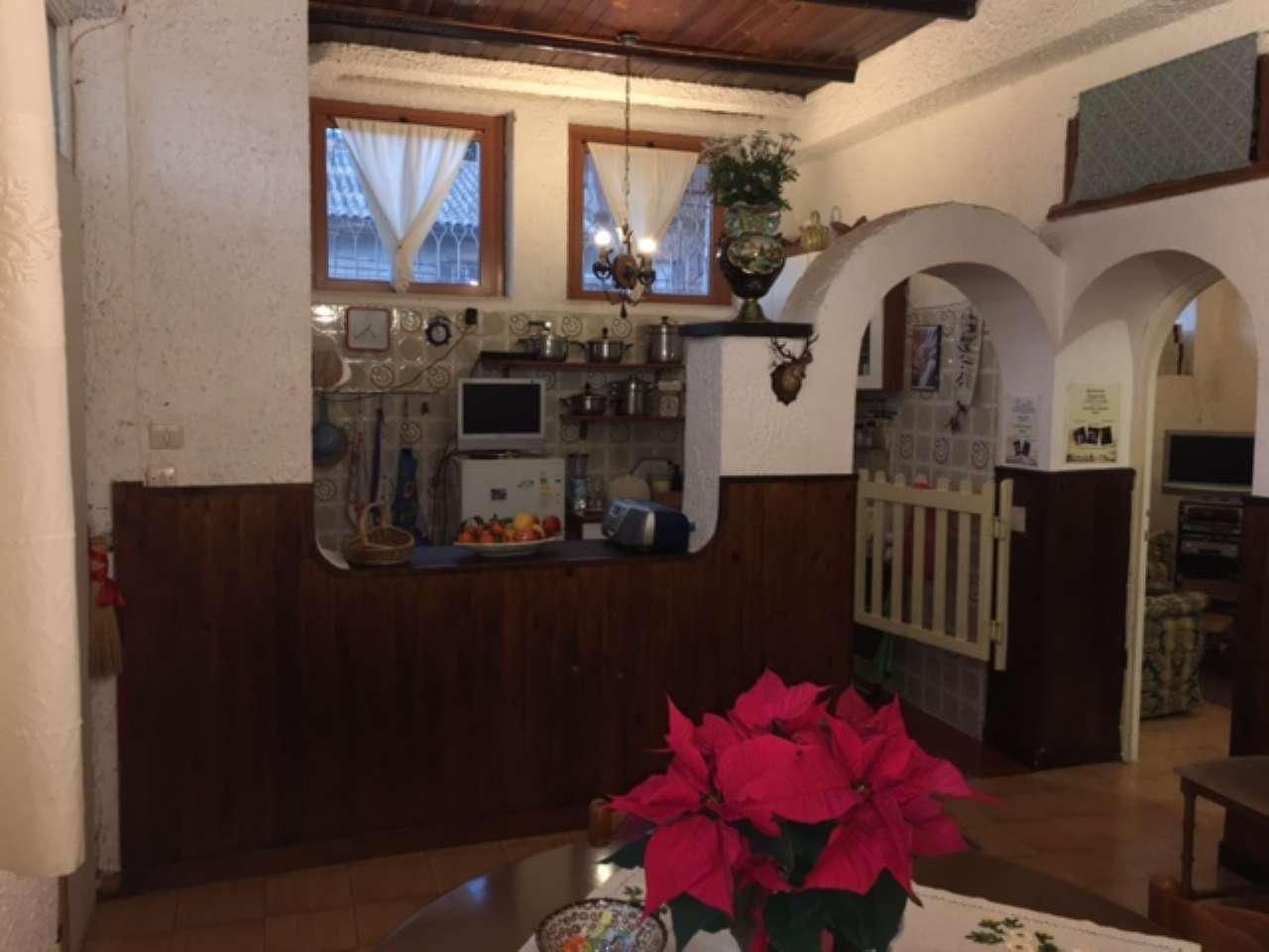 Soluzione Indipendente in vendita a Mazzano Romano, 4 locali, prezzo € 40.000   CambioCasa.it