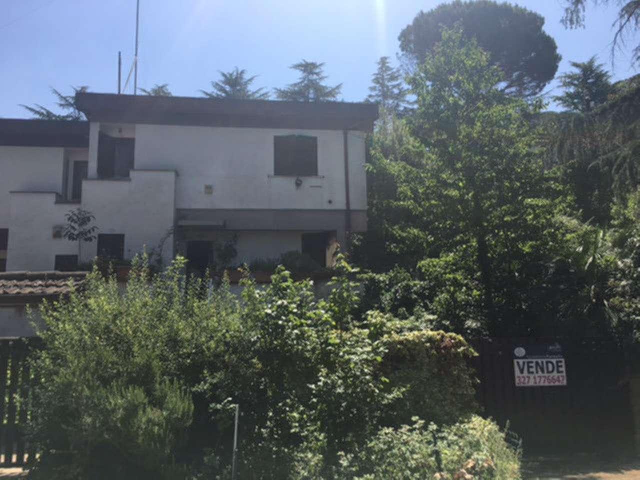 Villa Bifamiliare in Vendita a Campagnano di Roma