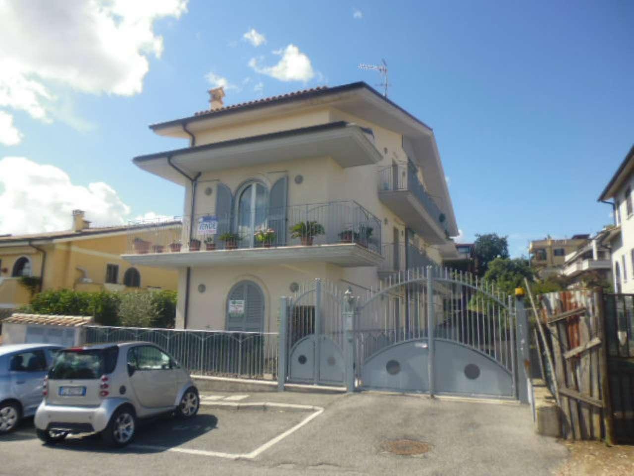 Appartamento in vendita a Formello, 2 locali, prezzo € 99.000 | CambioCasa.it