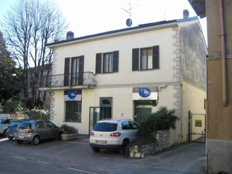 Attico / Mansarda in affitto a Gavirate, 3 locali, prezzo € 650 | Cambio Casa.it