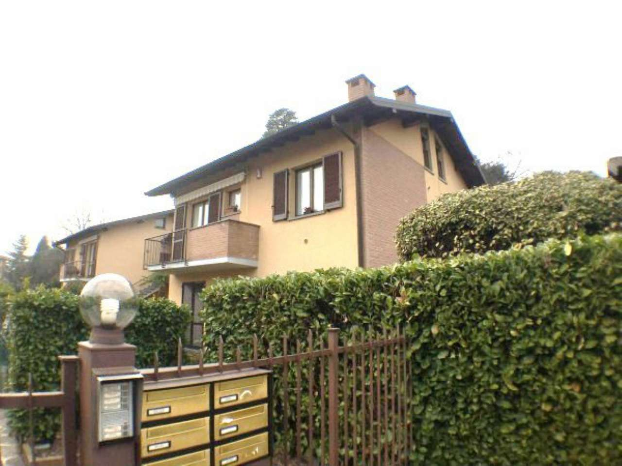 Appartamento in vendita a Induno Olona, 3 locali, prezzo € 215.000 | Cambio Casa.it