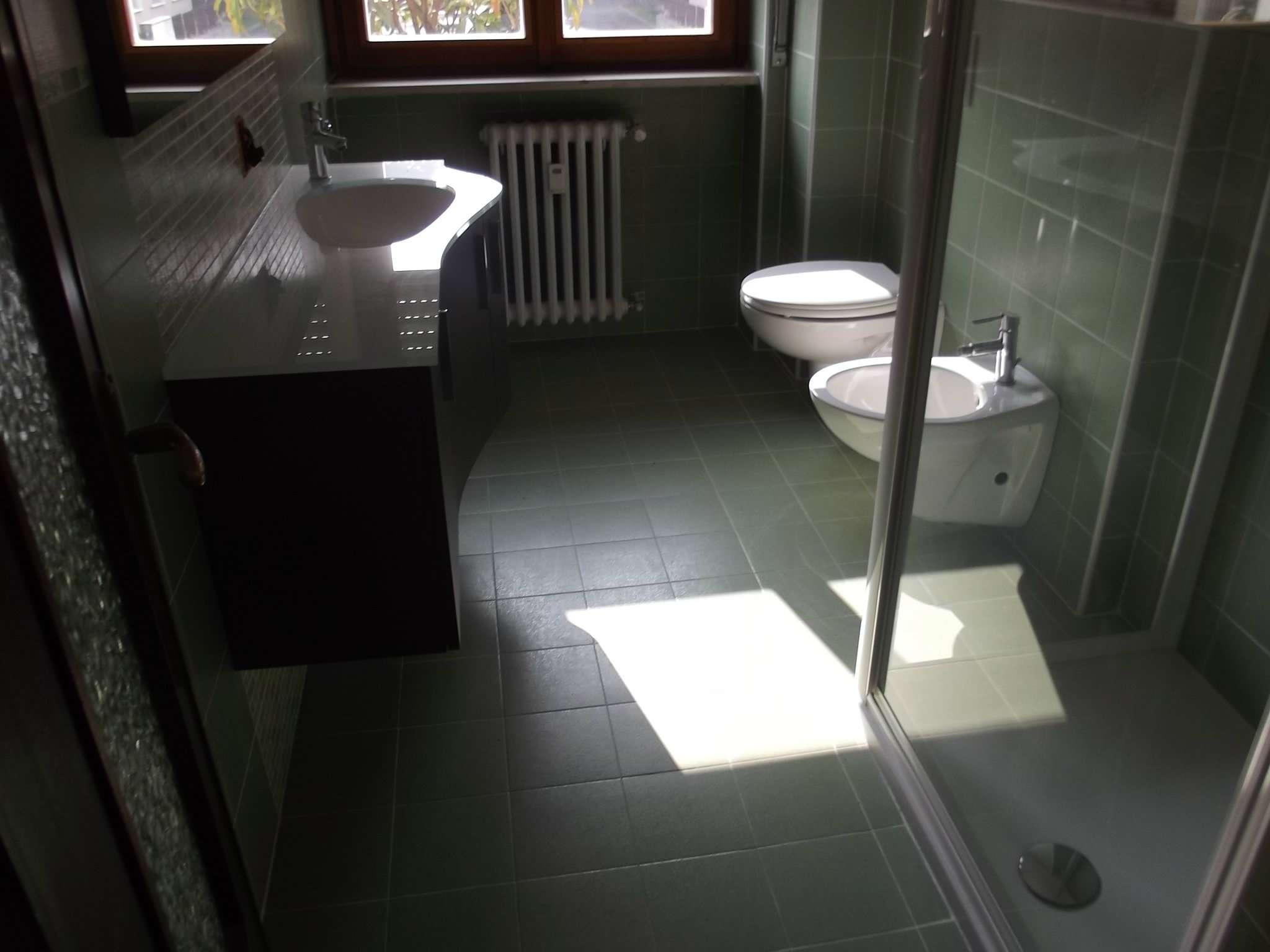Appartamento in vendita a Varese, 3 locali, prezzo € 155.000 | Cambio Casa.it