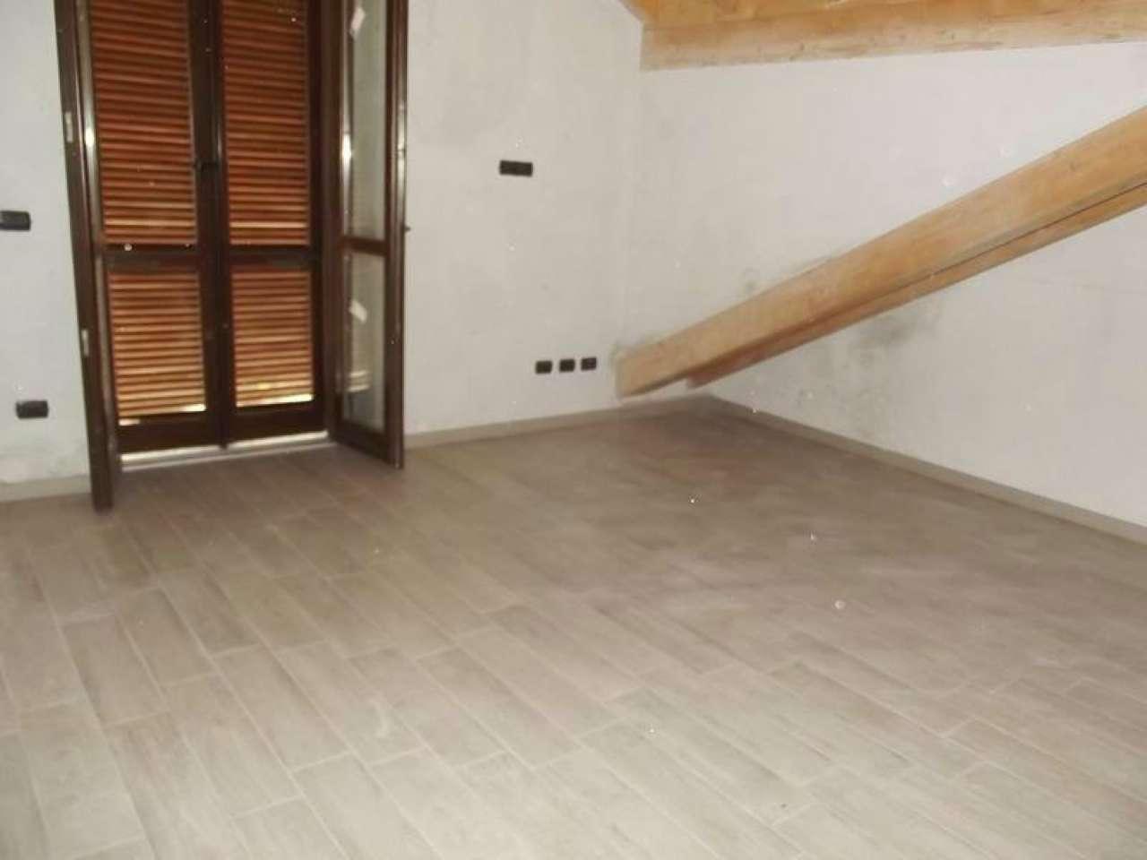 Appartamento in affitto a Cittiglio, 3 locali, prezzo € 600 | Cambio Casa.it