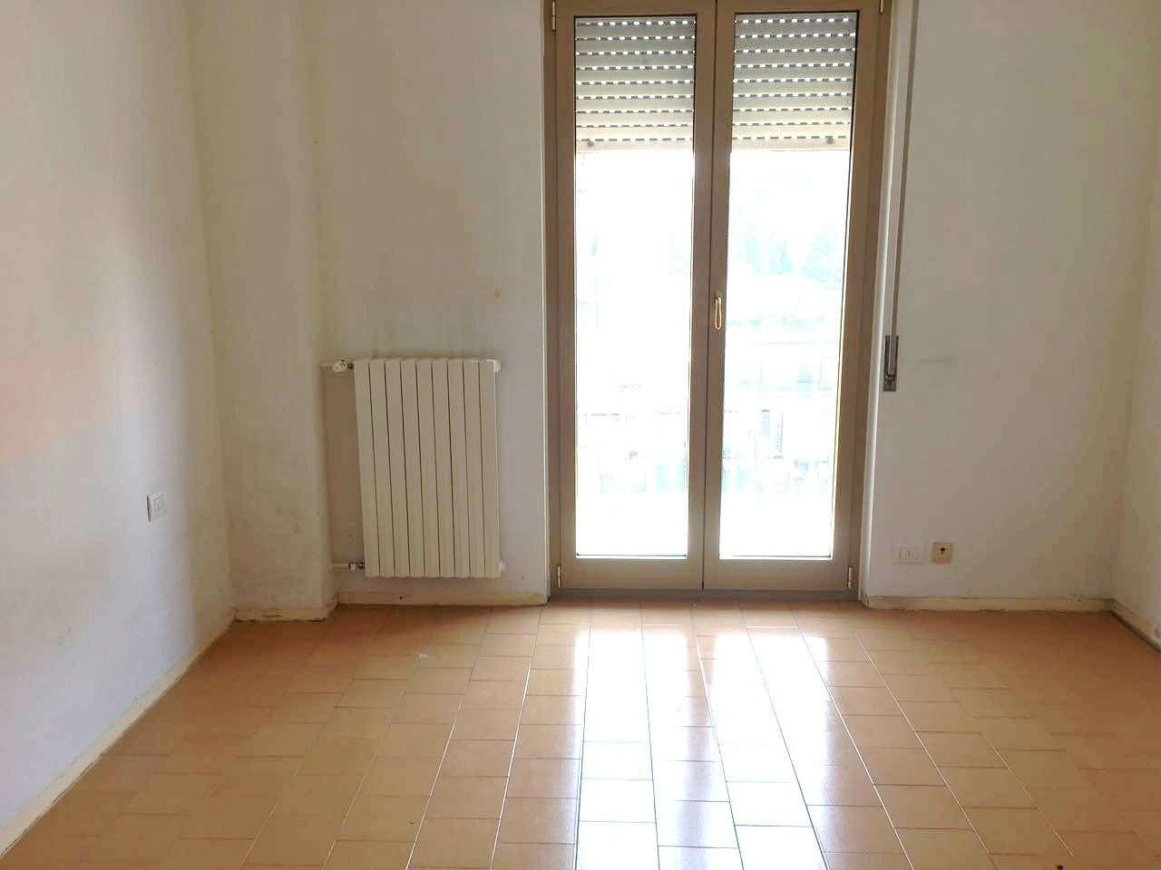 Appartamento in affitto a Varese, 2 locali, prezzo € 470 | Cambio Casa.it