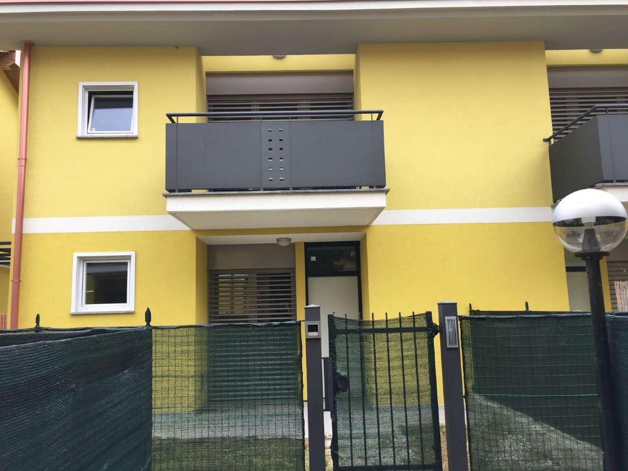 Soluzione Indipendente in affitto a Viggiù, 3 locali, prezzo € 1.200 | CambioCasa.it