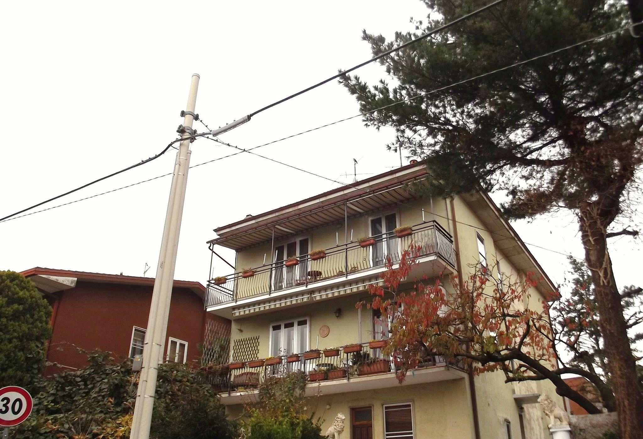 Appartamento in vendita a Induno Olona, 4 locali, prezzo € 160.000 | CambioCasa.it