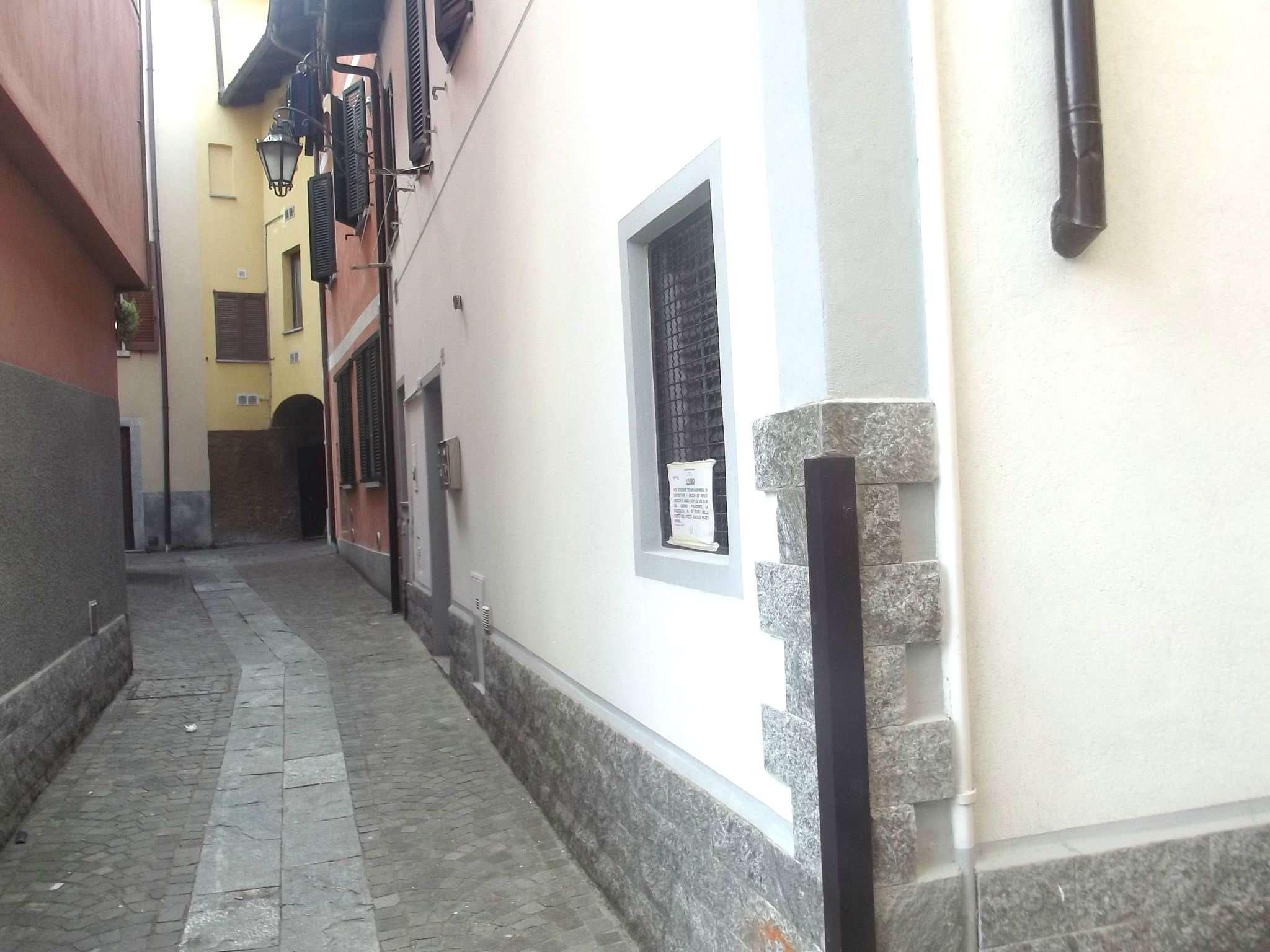 Appartamento in affitto a Porto Ceresio, 2 locali, prezzo € 500 | CambioCasa.it