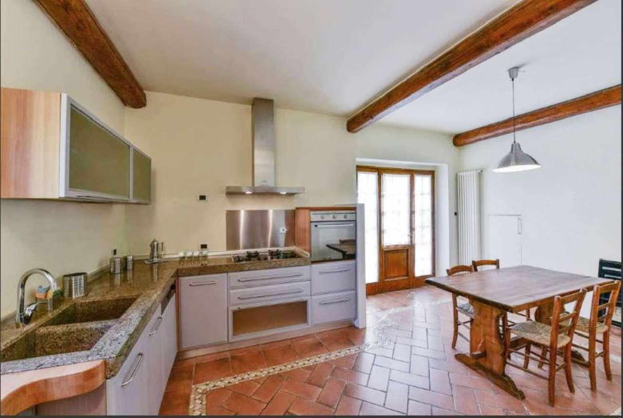 Palazzo / Stabile in vendita a San Casciano in Val di Pesa, 5 locali, prezzo € 275.000 | CambioCasa.it