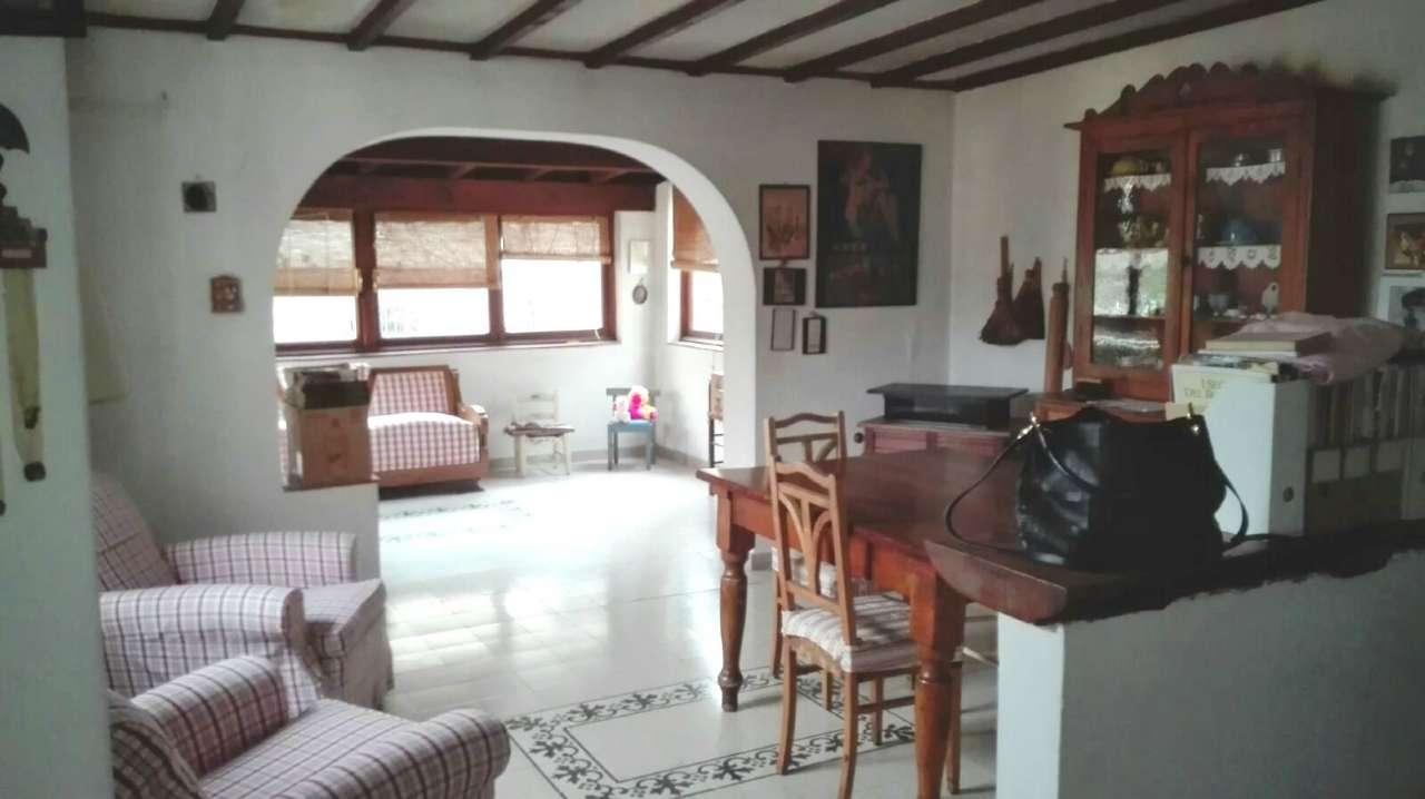 Appartamento in vendita 7 vani 150 mq.  via del Podestà Firenze