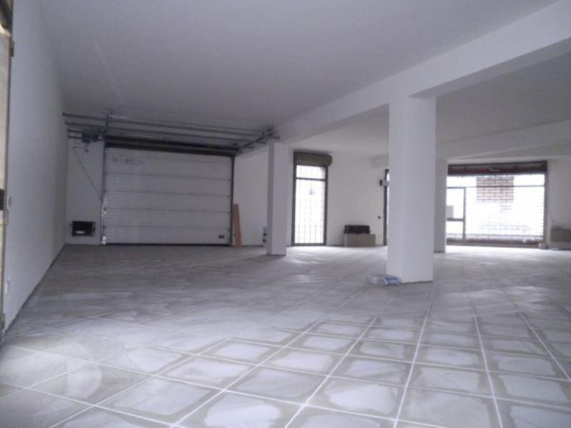 Negozio / Locale in affitto a Borgosatollo, 9999 locali, prezzo € 1.800 | Cambio Casa.it