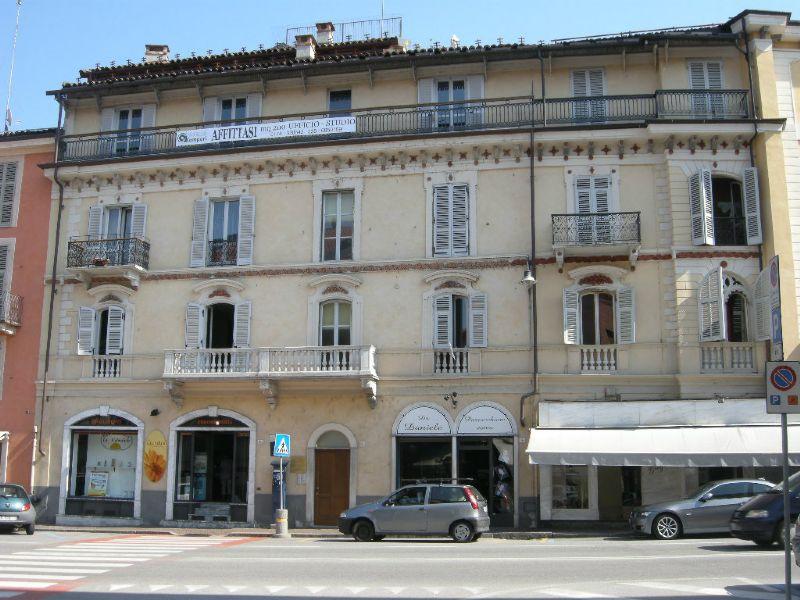 Ufficio / Studio in affitto a Mondovì, 8 locali, prezzo € 1.500 | Cambio Casa.it