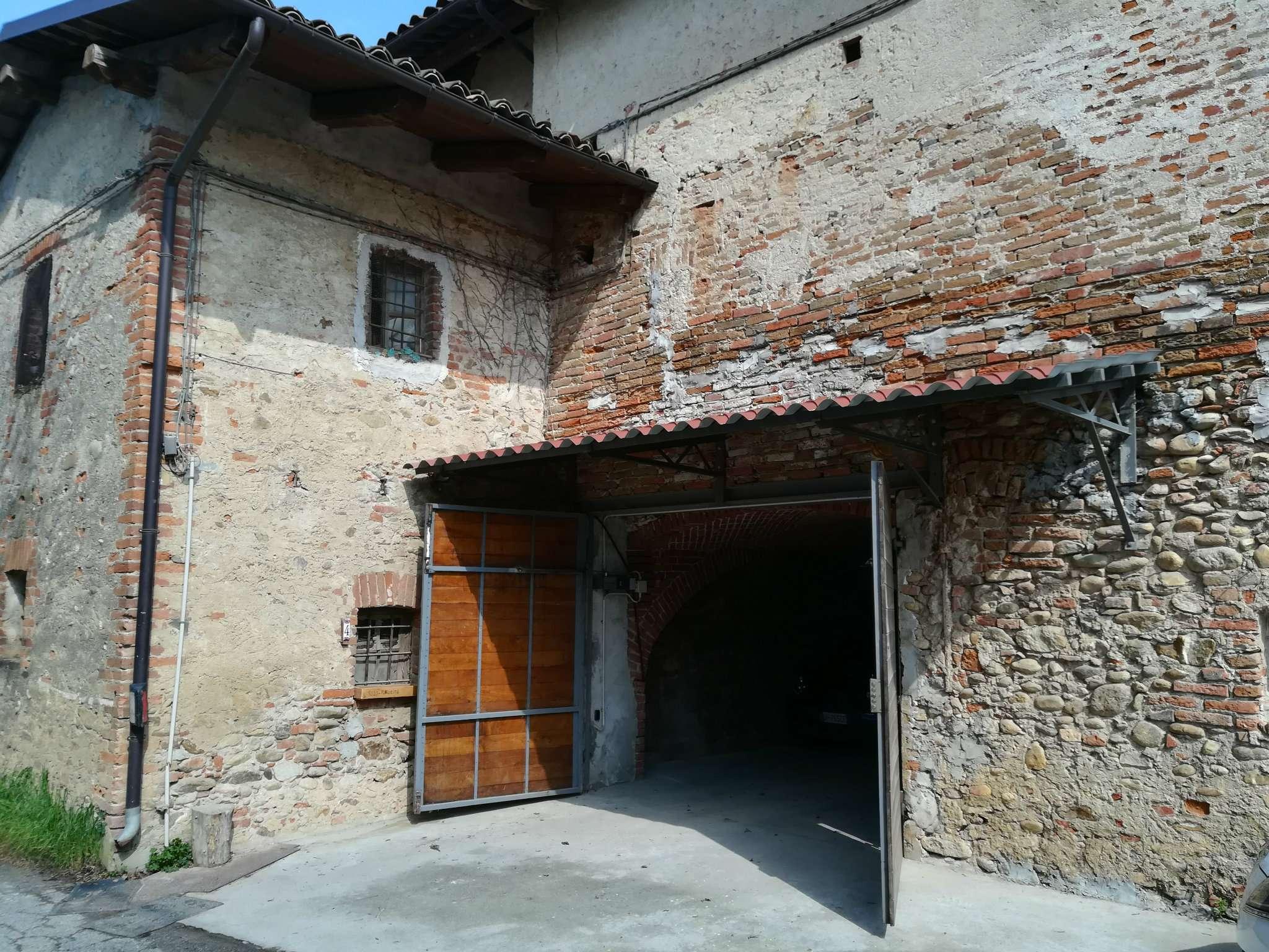 Soluzione Indipendente in vendita a Rocca de' Baldi, 12 locali, prezzo € 108.000 | CambioCasa.it