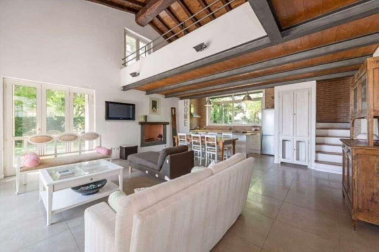 Villa in vendita a Montalto di Castro, 6 locali, prezzo € 880.000 | Cambio Casa.it