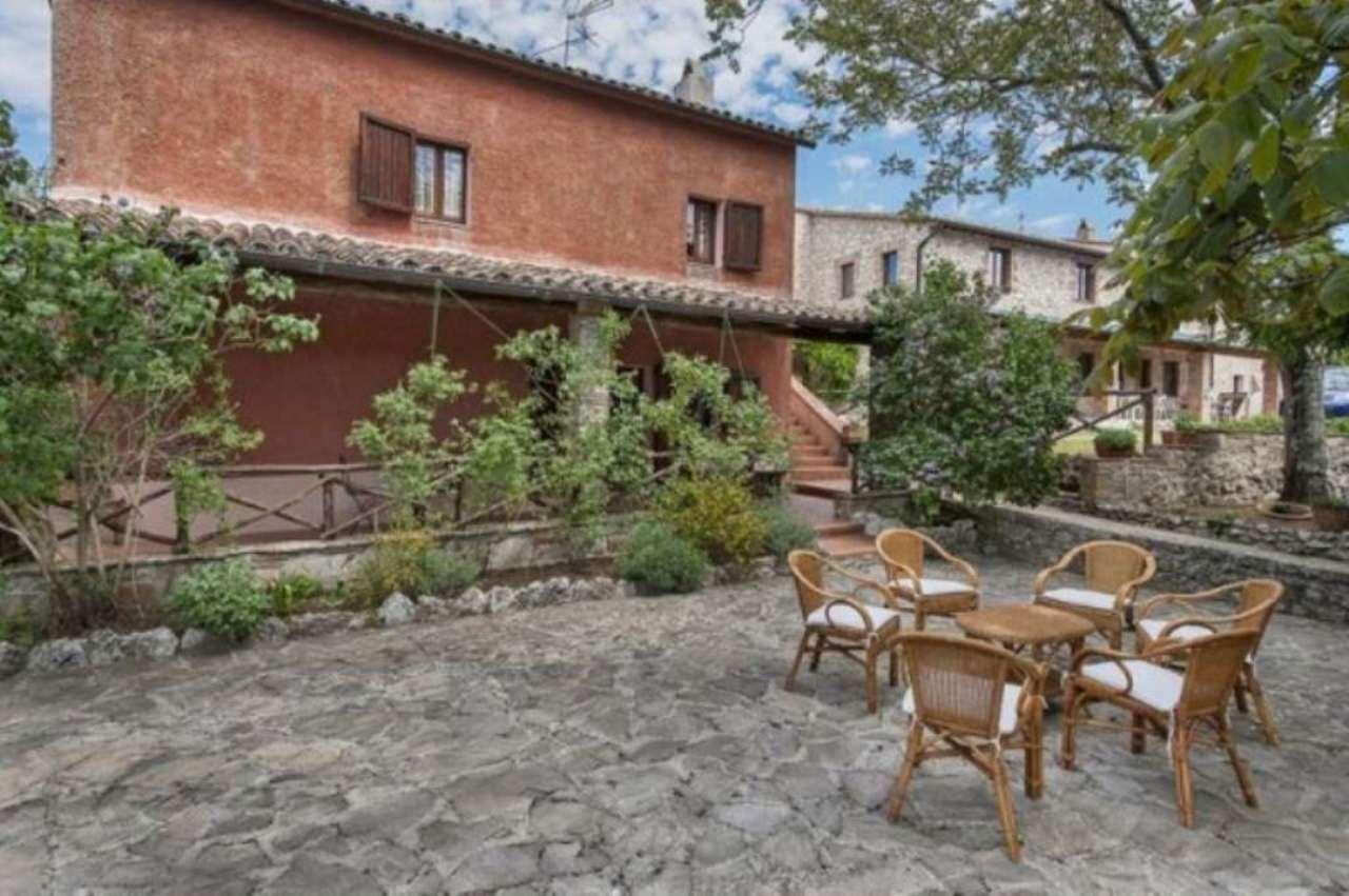 Rustico / Casale in vendita a Guardea, 3 locali, prezzo € 250.000 | CambioCasa.it