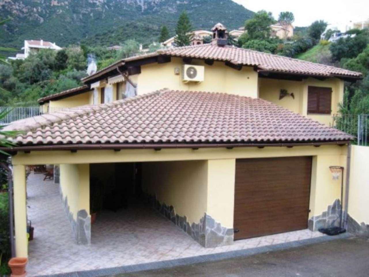Villa in vendita a Capoterra, 6 locali, prezzo € 295.000 | Cambio Casa.it