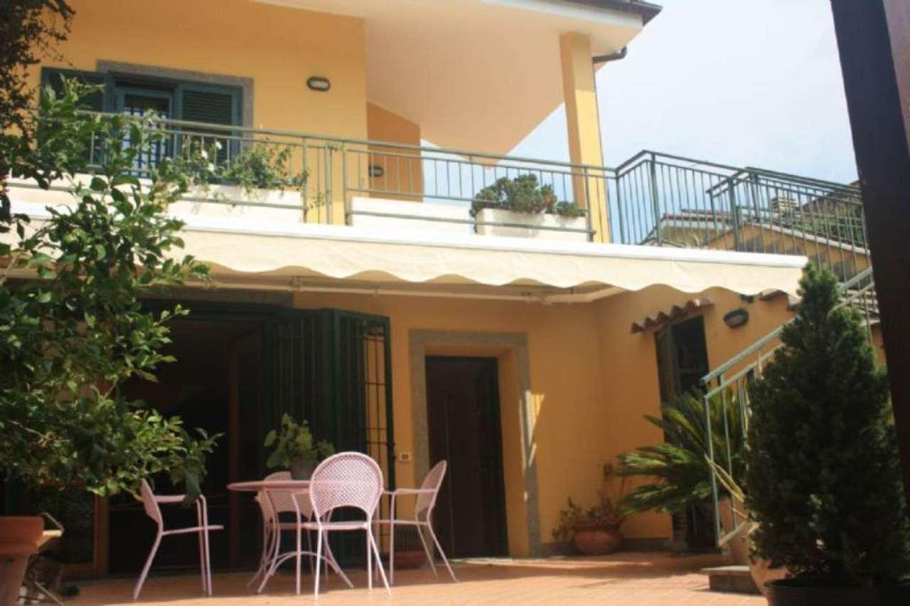 Villa Bifamiliare in Vendita a Sacrofano