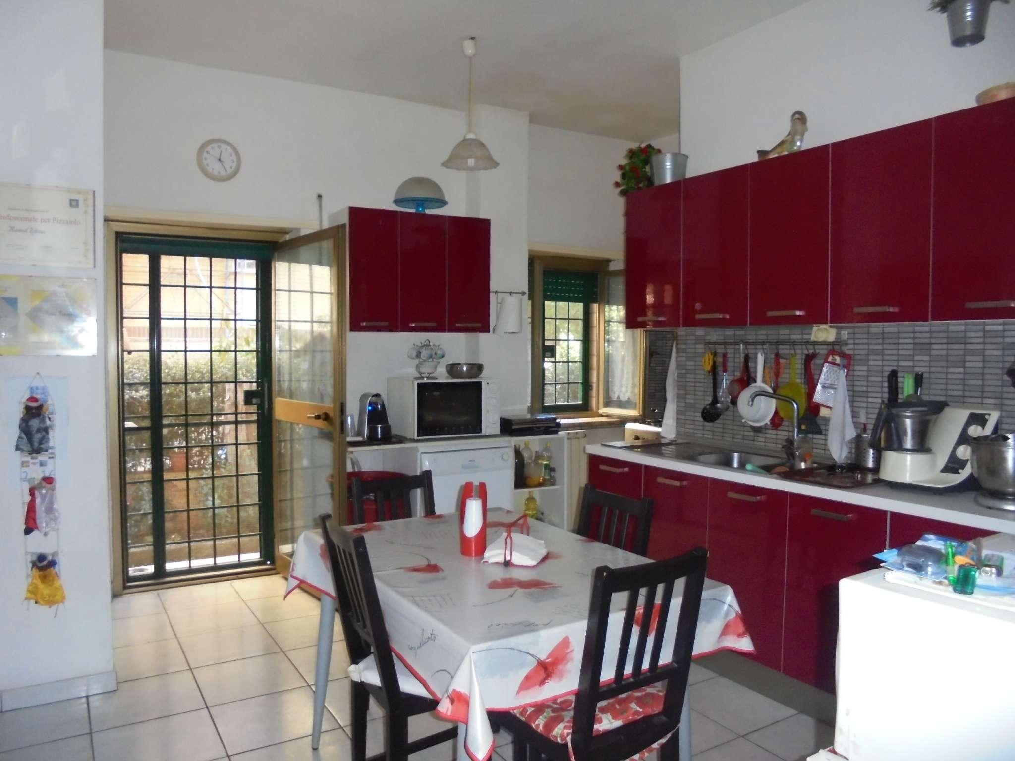 Appartamento in vendita 4 vani 110 mq.  via castellanza Roma