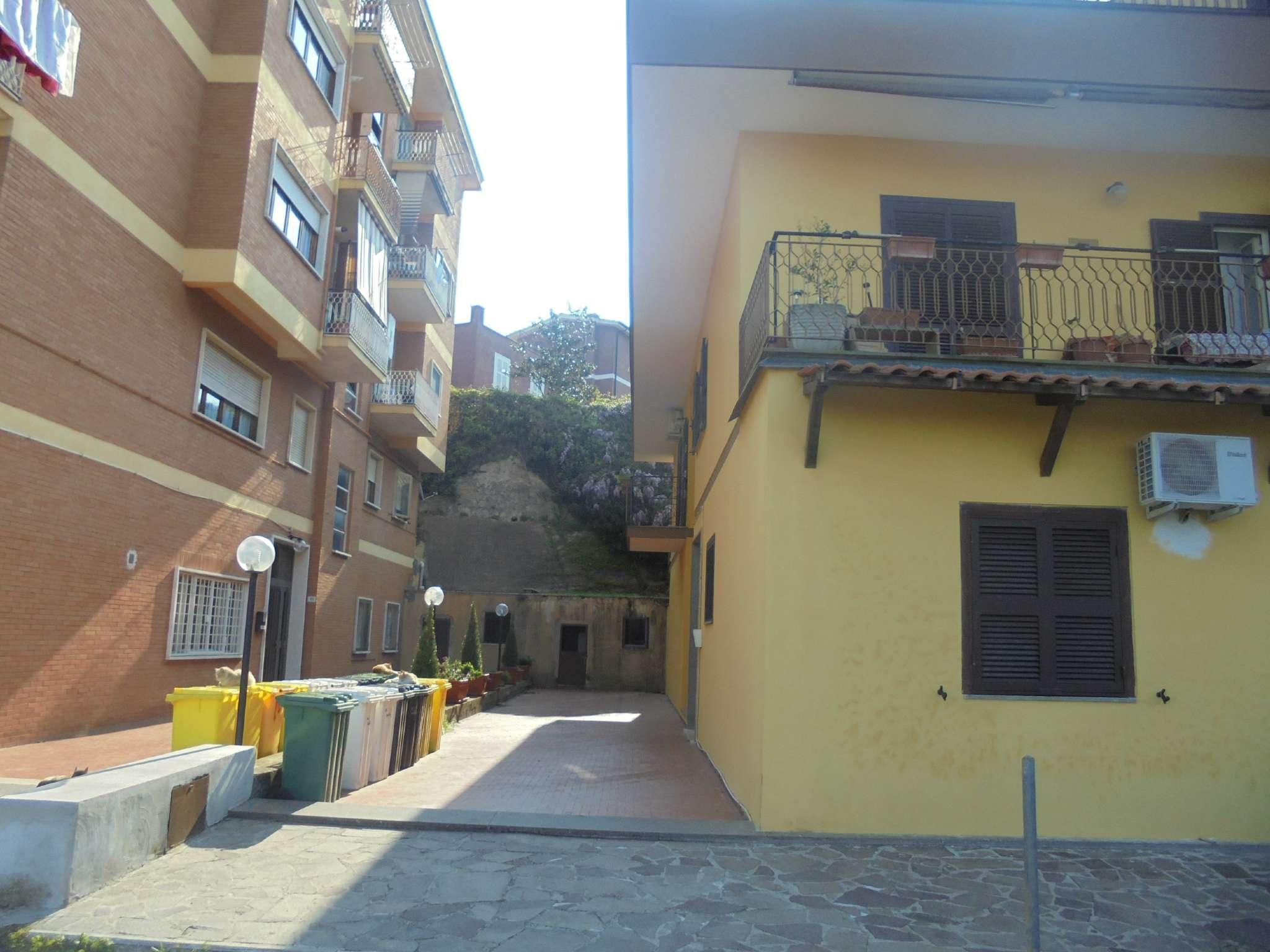 Appartamento in vendita a Castelnuovo di Porto, 4 locali, prezzo € 185.000 | Cambio Casa.it
