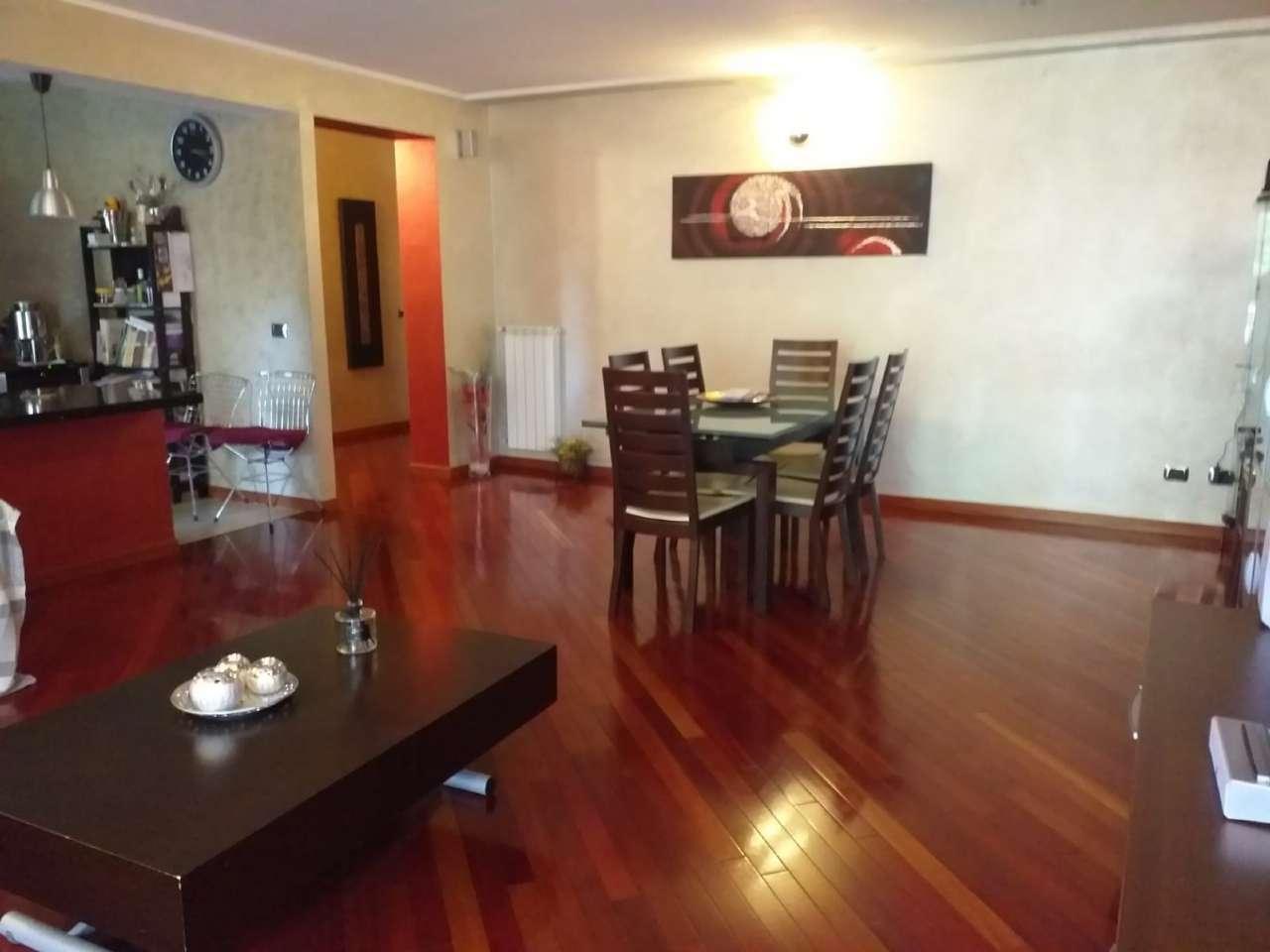 Appartamento in vendita 3 vani 120 mq.  via arta terme Roma