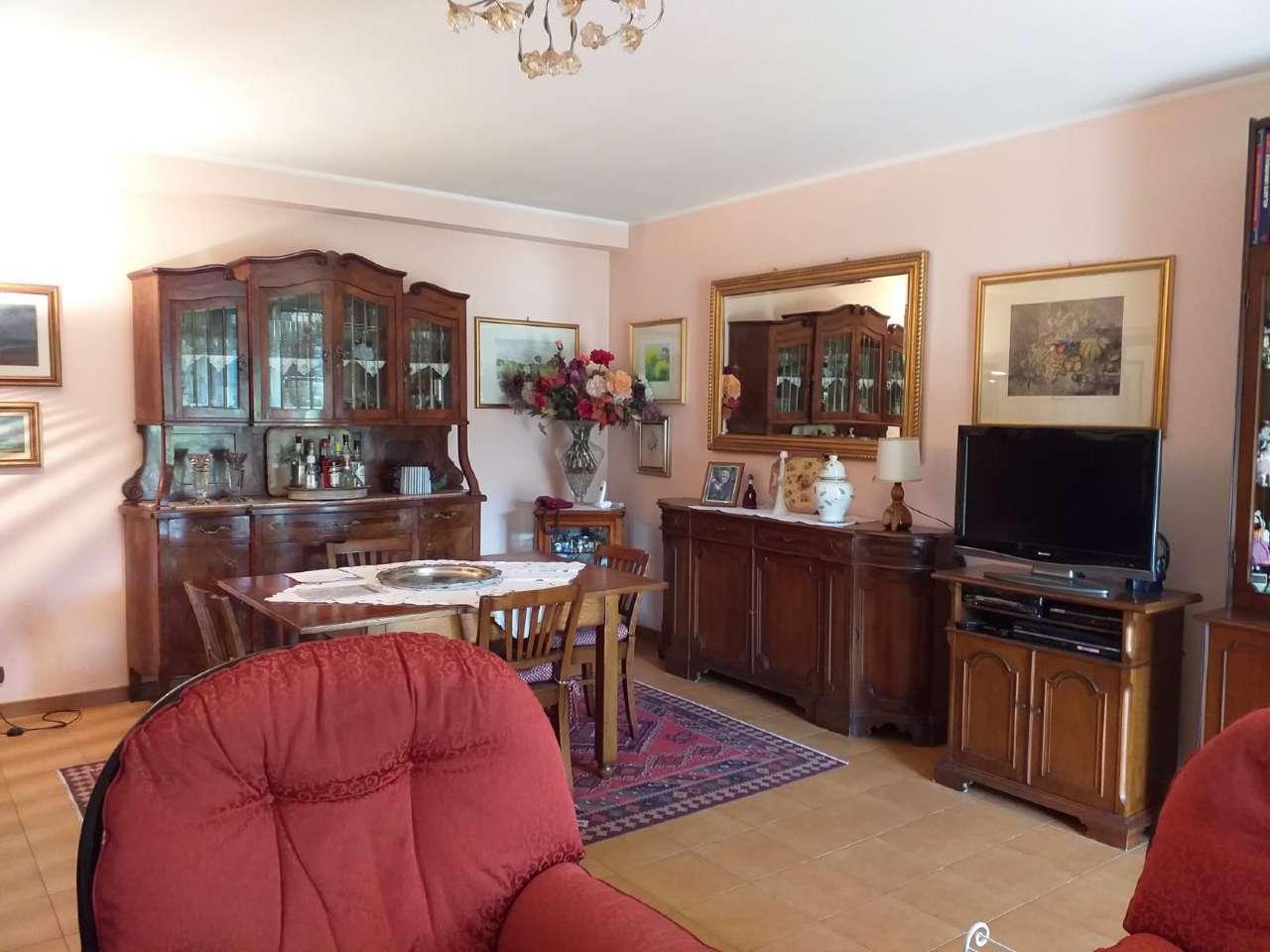 Appartamento in vendita 3 vani 120 mq.  via arta terme 50 Roma