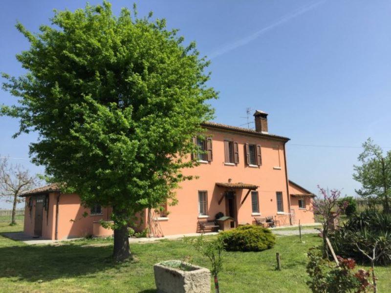 Rustico / Casale in vendita a Ravenna, 6 locali, prezzo € 360.000 | Cambio Casa.it