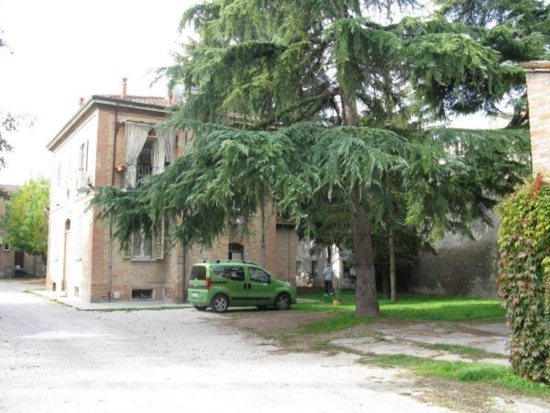 Appartamento in vendita a Ravenna, 4 locali, prezzo € 215.000 | Cambio Casa.it