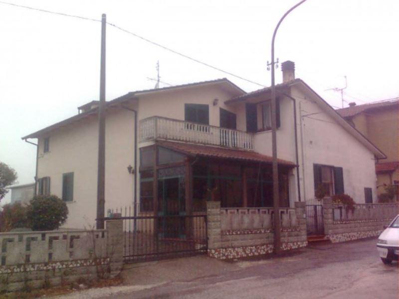 Soluzione Indipendente in vendita a Ravenna, 6 locali, prezzo € 325.000   Cambio Casa.it
