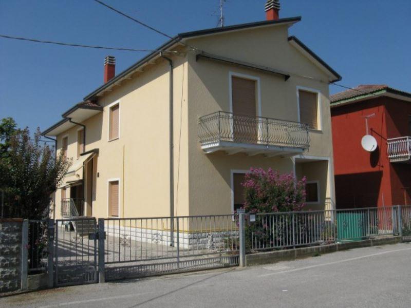 Soluzione Indipendente in vendita a Ravenna, 6 locali, prezzo € 315.000 | Cambio Casa.it