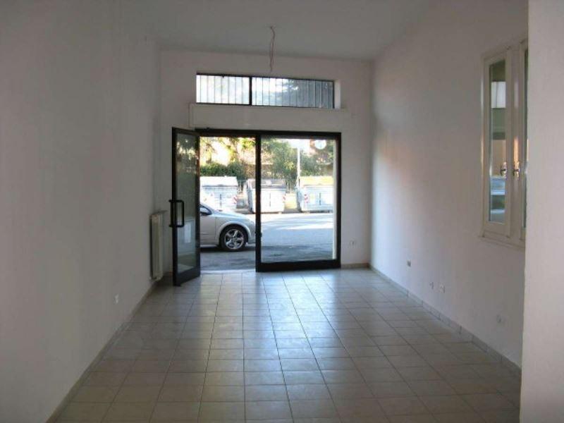 Negozio / Locale in affitto a Ravenna, 1 locali, prezzo € 450 | Cambio Casa.it