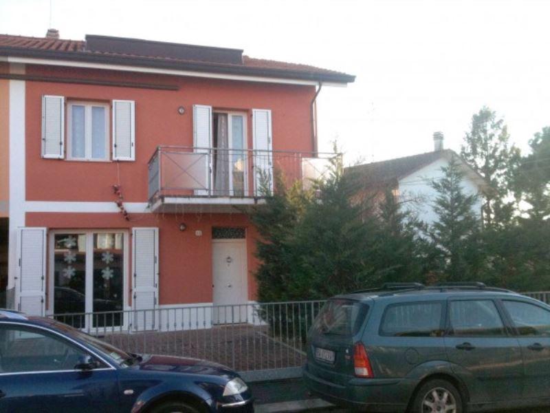 Soluzione Indipendente in vendita a Bagnacavallo, 6 locali, prezzo € 210.000 | CambioCasa.it
