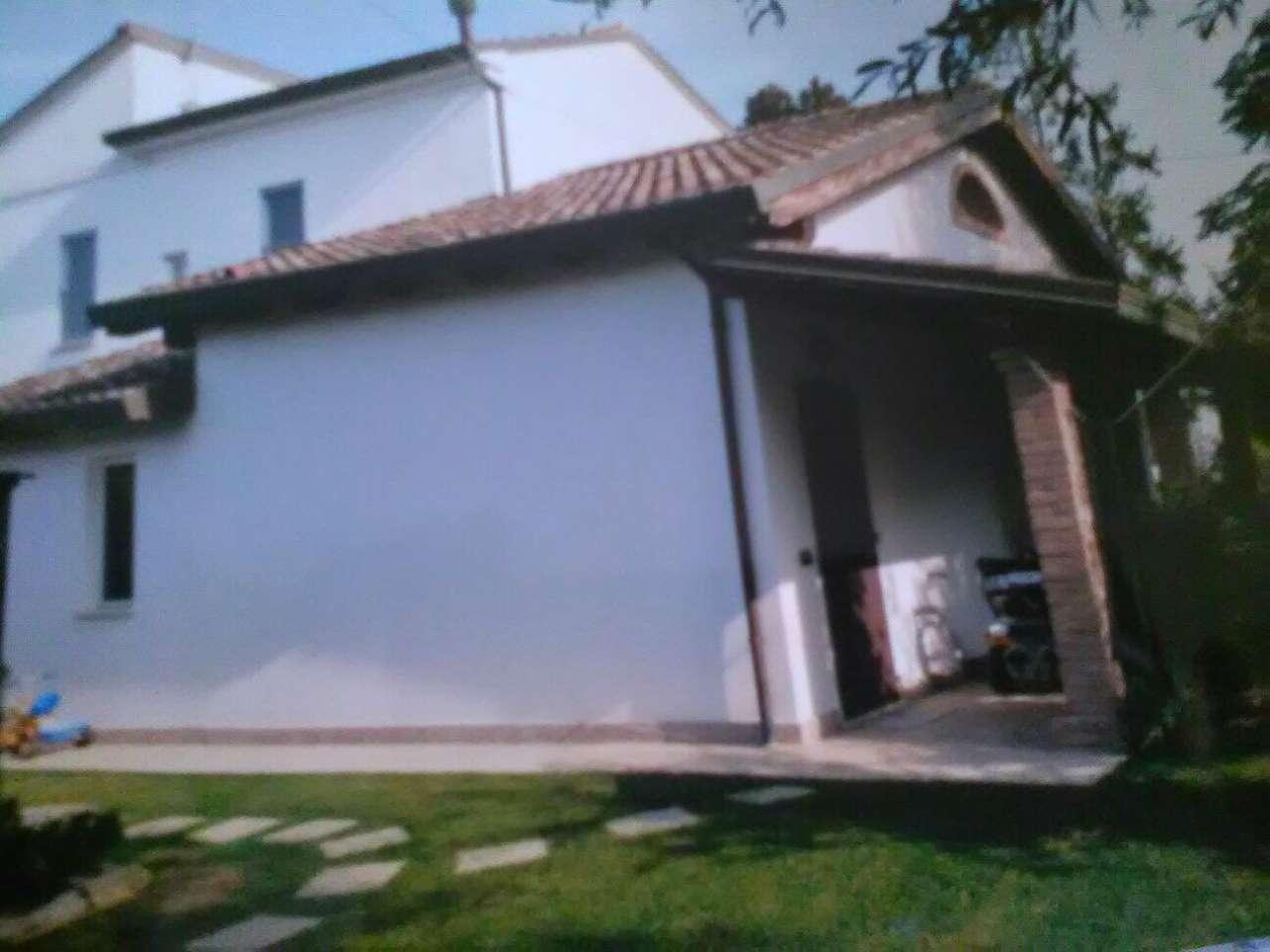 Soluzione Indipendente in vendita a Alfonsine, 7 locali, prezzo € 250.000 | CambioCasa.it