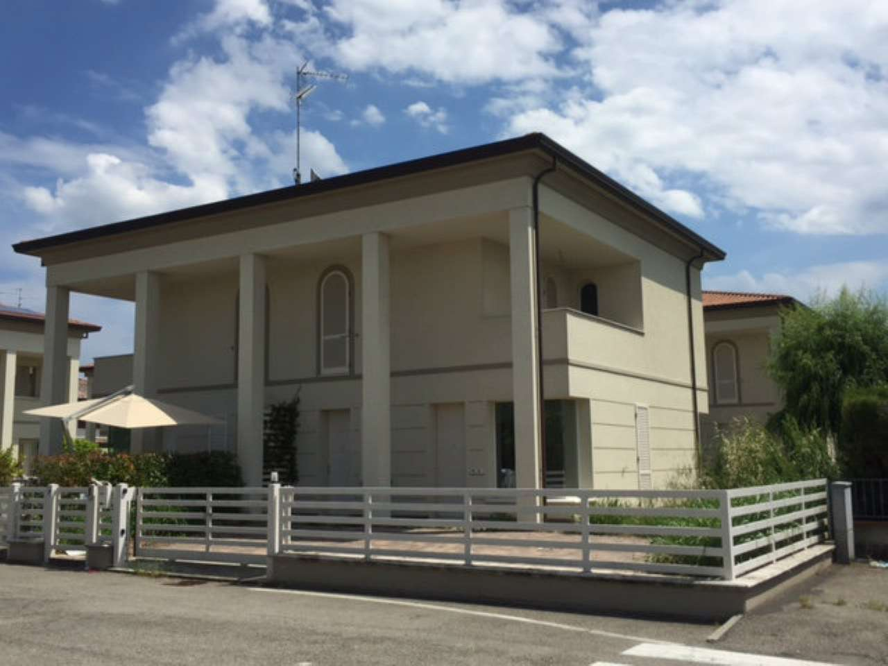 Soluzione Indipendente in vendita a Ravenna, 6 locali, prezzo € 310.000   Cambio Casa.it