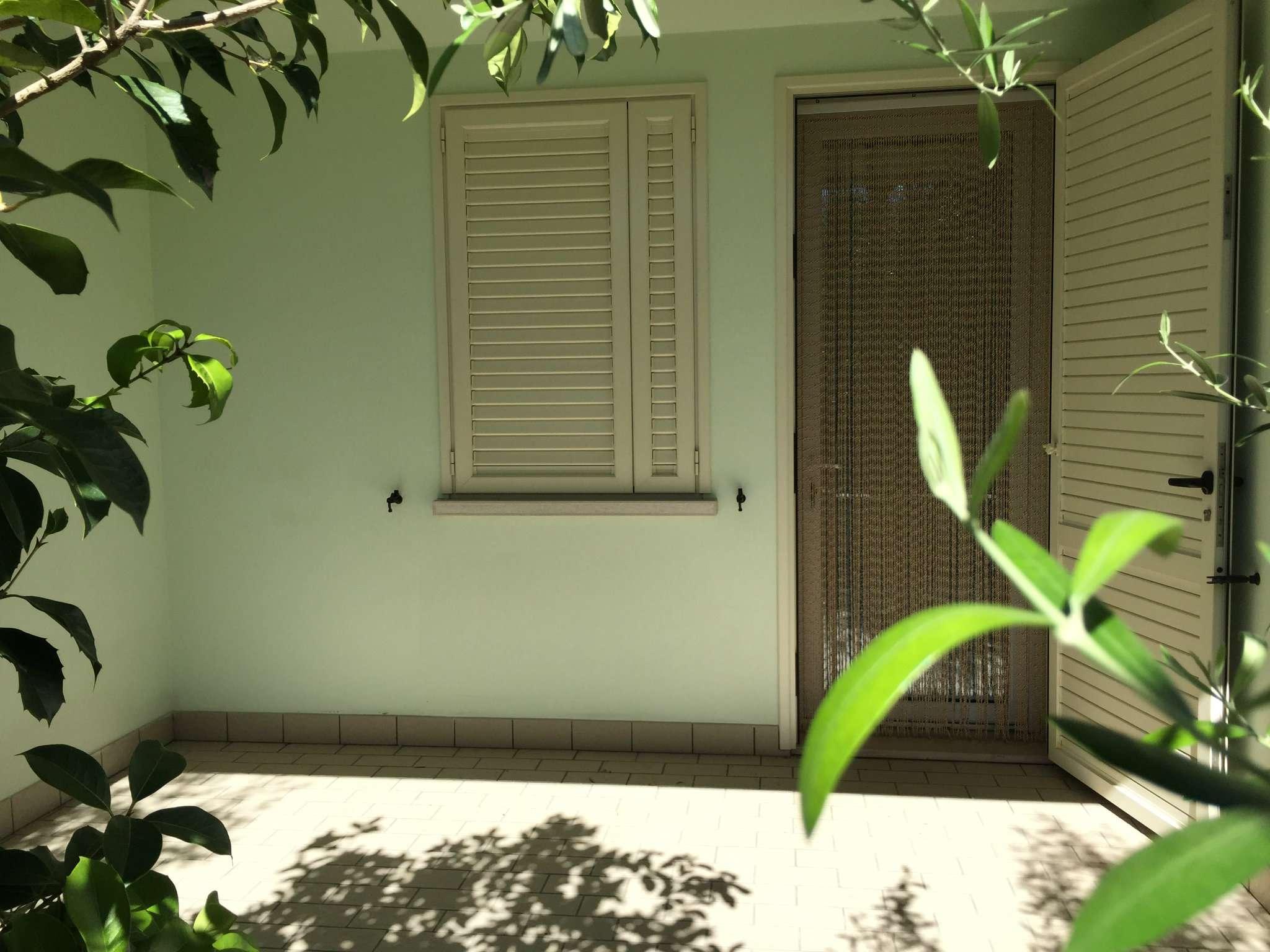 Palazzo / Stabile in vendita a Ravenna, 5 locali, prezzo € 260.000 | CambioCasa.it