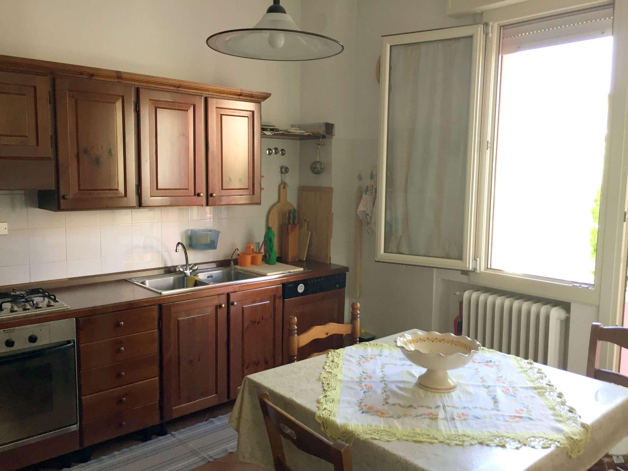 Soluzione Indipendente in vendita a Ravenna, 8 locali, prezzo € 280.000 | CambioCasa.it