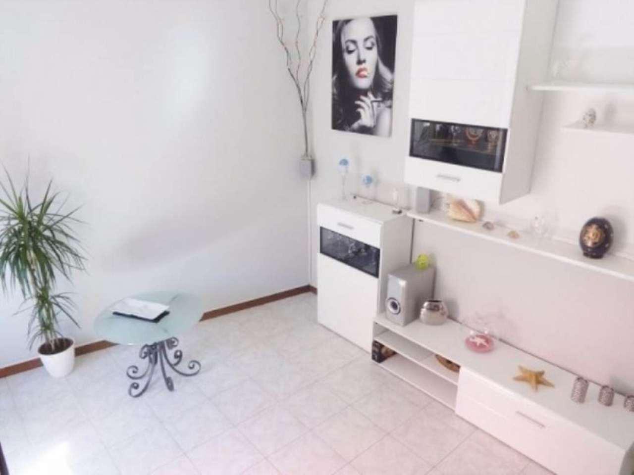 Appartamento in vendita a Sumirago, 3 locali, prezzo € 110.000 | Cambio Casa.it