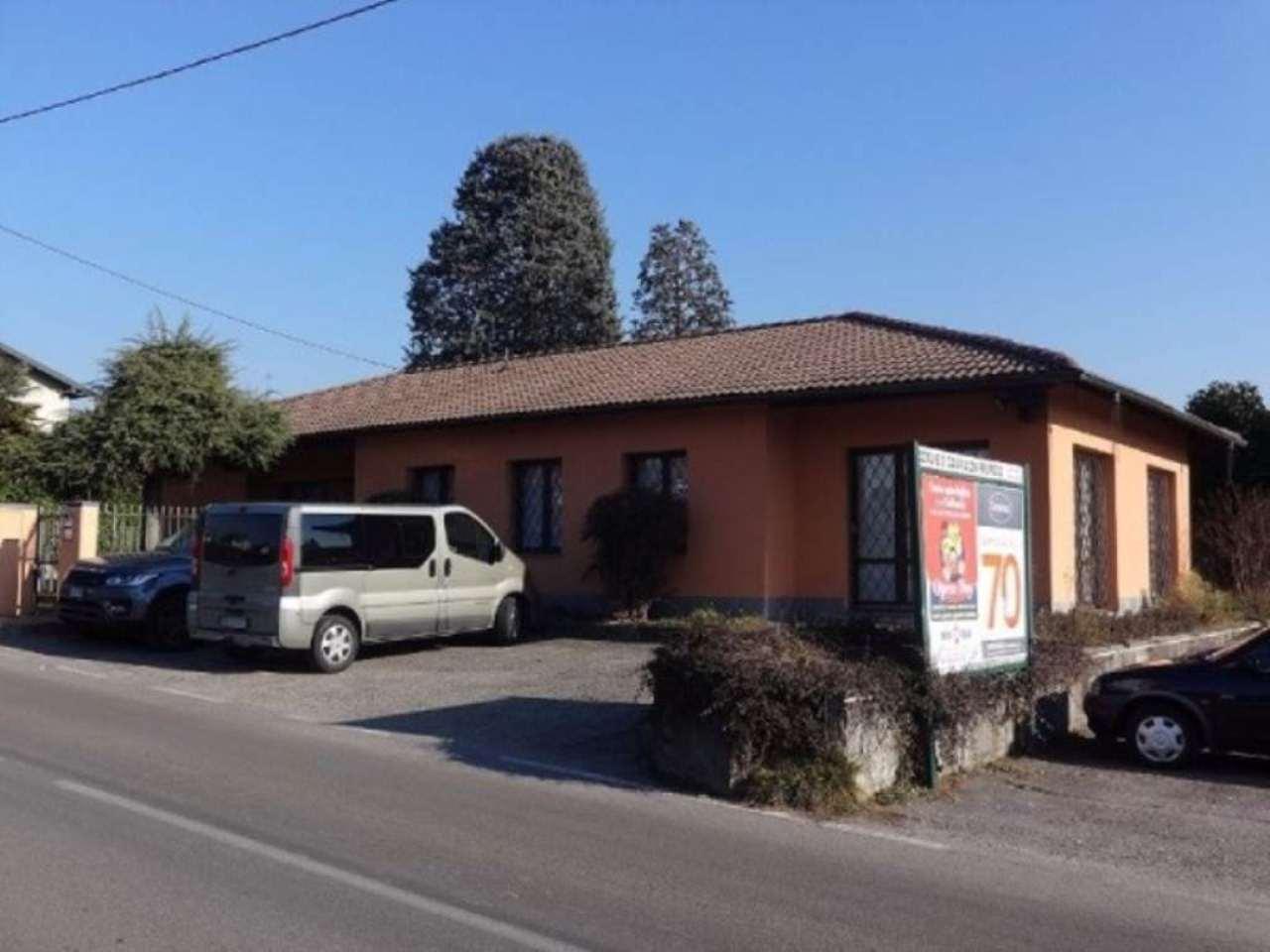 Negozio / Locale in vendita a Cavaria con Premezzo, 6 locali, prezzo € 200.000   Cambio Casa.it